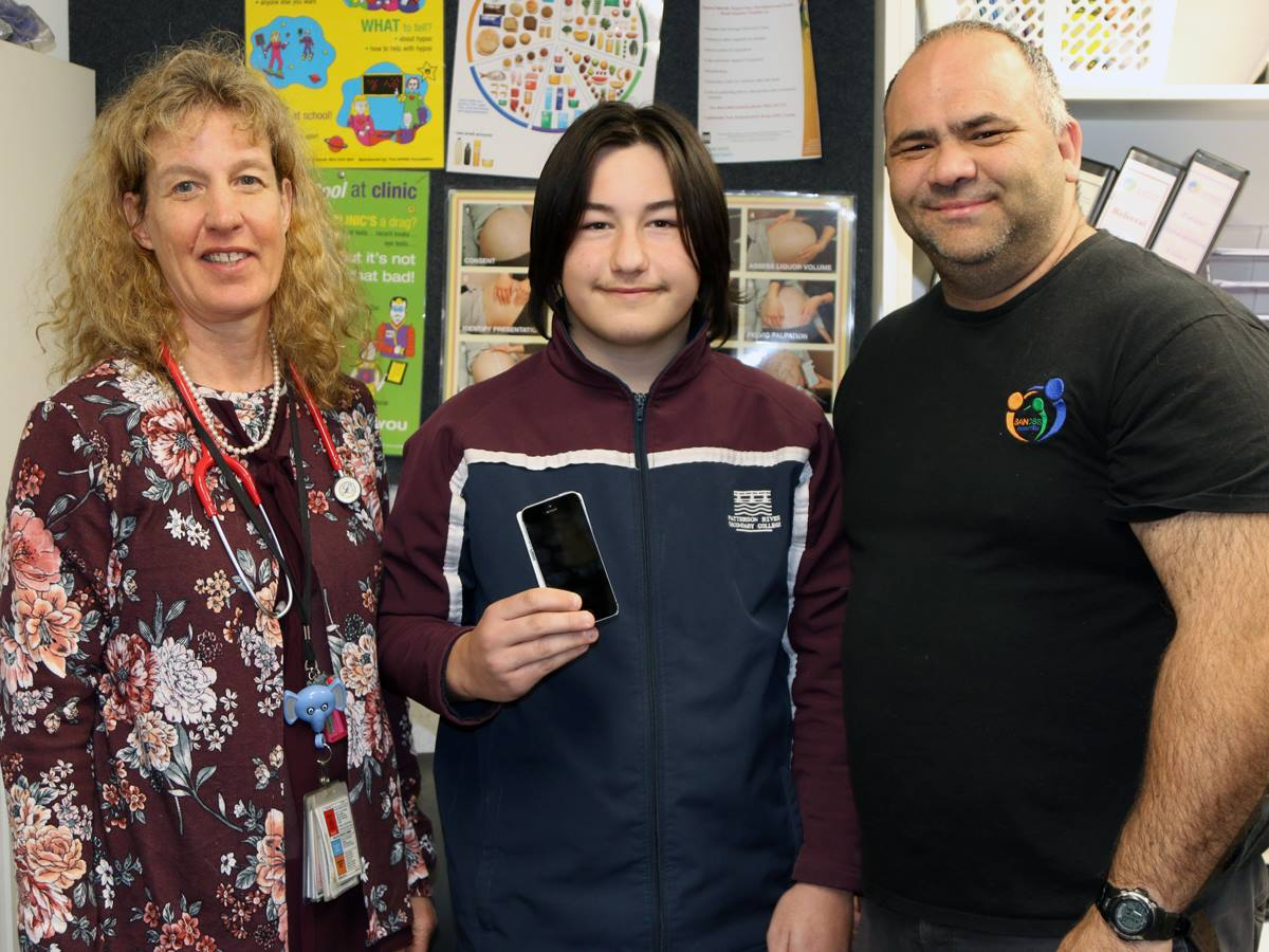 peninsula_health_iphone_donation_from_sancss